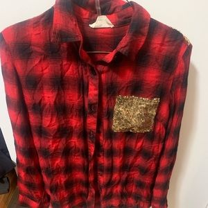 Woman's plaid longsleeve button up top